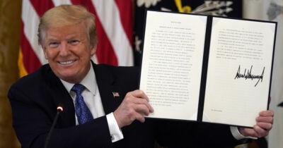 Trump firma una vez más por la defensa de la vida